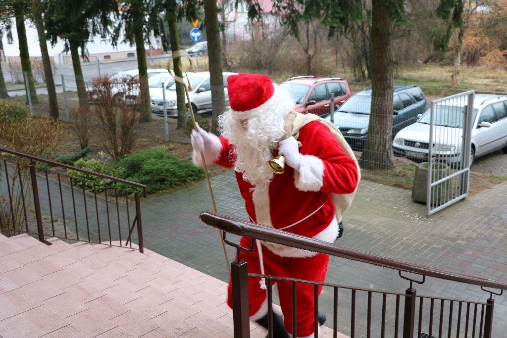 Ilustracja do informacji: Fotorelacja z wizyty Świętego Mikołaja w Przedszkolu Samorządowym nr 2 w Rzepinie.