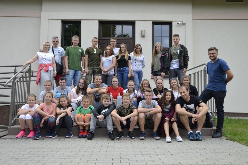 Ilustracja do informacji: Obóz siatkarski – Chociński Młyn 2017