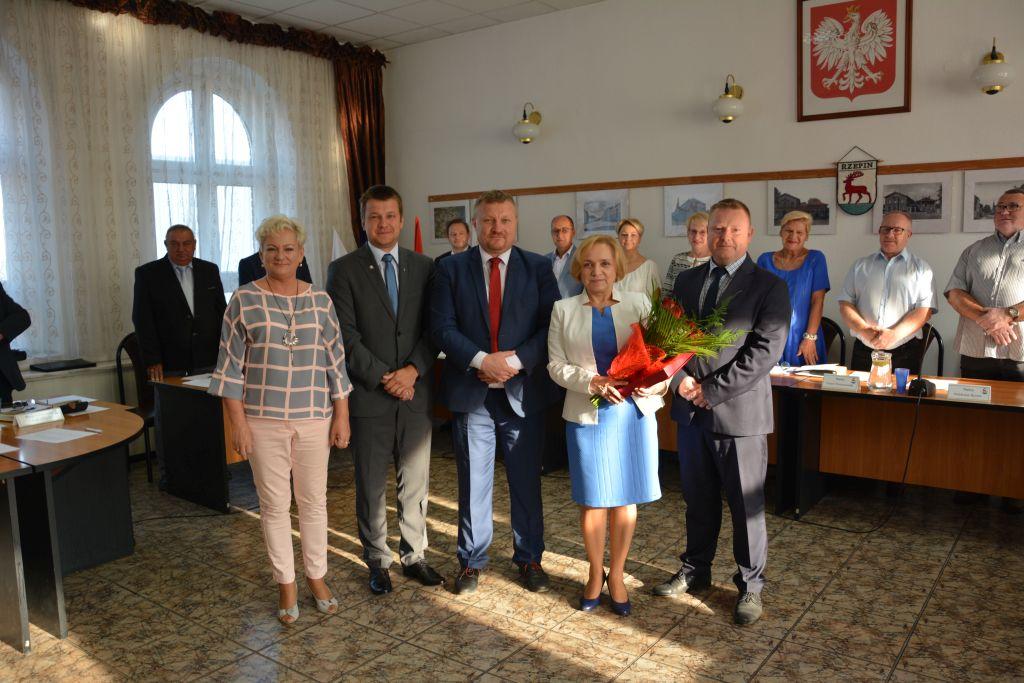 Ilustracja do informacji: Uroczyste pożegnanie pani Janiny Antonik