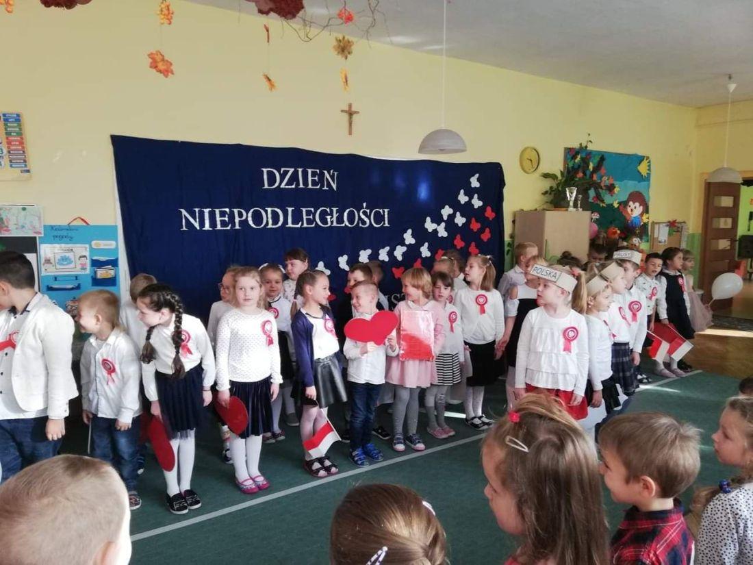 Ilustracja do informacji: Święto Niepodległości w Przedszkolu Samorządowym nr 2 w Rzepinie